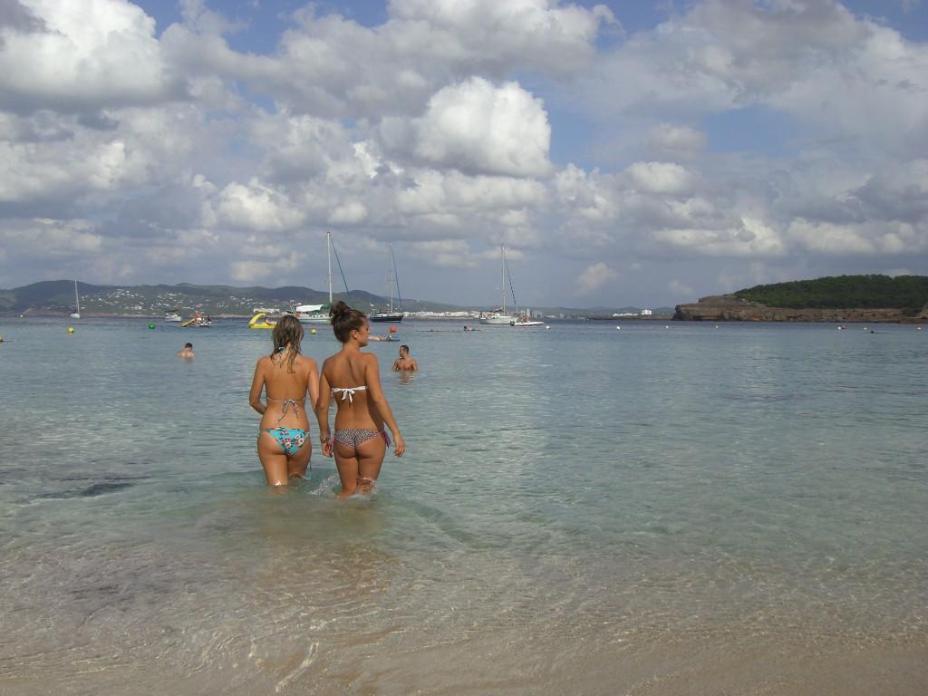 Dann der Blick von der Insel aufs Boot